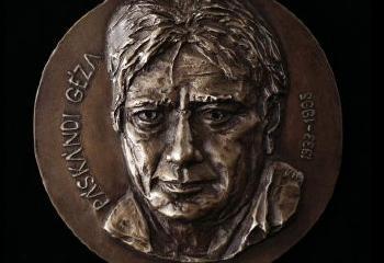 1995. május 19-én halt meg Páskándi Géza